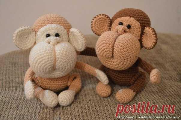 Вяжем обезьянку  Туловище   1 р: Набрать 6 столбиков в кольцо амигуруми  Показать полностью…