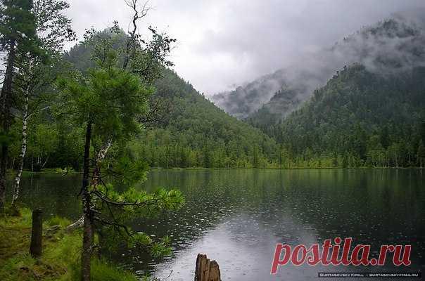 Озеро Сказочное, Иркутская область. Автор фото: Кирилл Буртасовский.