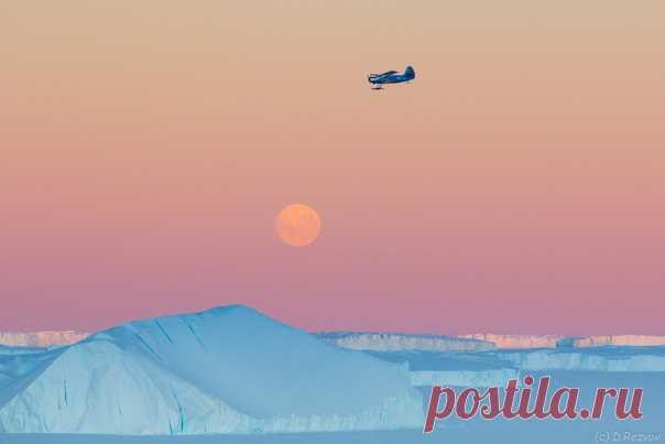 Геофизики проводят авиаработы на российской антарктической станции «Мирный». Фотограф – Дмитрий Резвов: nat-geo.ru/community/user/173844/