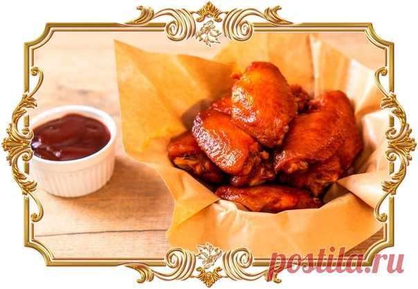 Куриные крылья, запечённые в соусе из мёда и кетчупа  Соус придаёт им карамелизированную корочку и насыщенный аромат.  Время приготовления: Показать полностью…