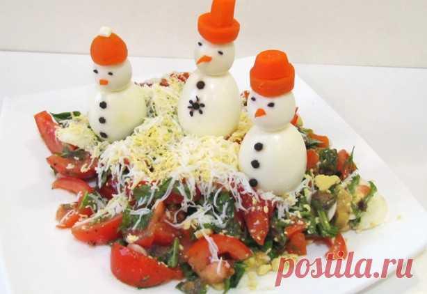 Вкусные и простые салаты на Новый 2018 год - что готовить интересное и новое в год собаки? Великолепная подборка салатов к Новому году.
