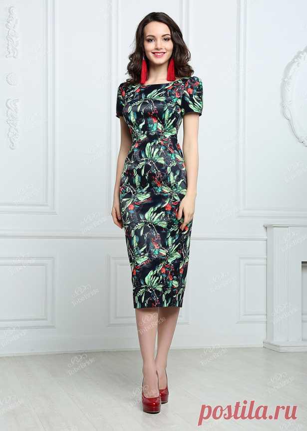 e0be878132b MR006B Вечернее платье Элегантное вечернее платье футляр из плотного атласа.  Короткие рукава. Длина миди