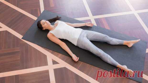 Вытягивание позвоночника перед сном — привейте себе эту очень полезную привычку! За всю жизнь человека позвоночник подвергается определенному напряжению. Часто возникает смещение измененных межпозвоночных дисков, которое приводит к защемлению нервных окончаний спинного мозга. У человека возникают физические страдания из-за болезненных симптомов в спине. Для исправления данной ситуации попробуйте... Читай дальше на сайте. Жми подробнее ➡