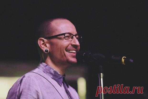 Вдова Честера Беннингтона почтила память покойного лидера группы Linkin Park