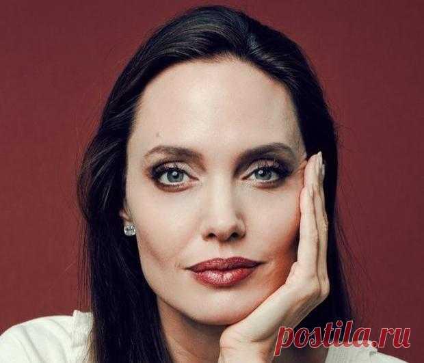 Анджелина Джоли в больнице: врачи обеспокоены психологическим состоянием актрисы
