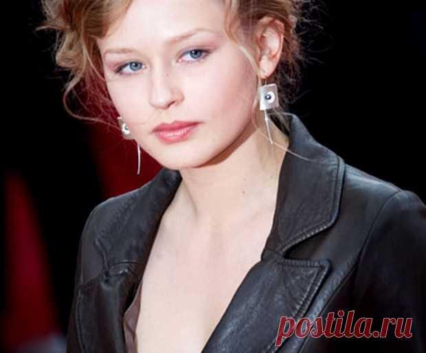 русские актрисы фото юлия дистанцинное обучение действительно