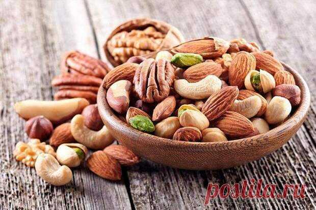 Полезный перекус для мозга... - медиаплатформа МирТесен 1. Перекус долгожителей. Каждый из видов орехов обладают суперсоставом с необходимыми веществами для организма человека: клетчаткой, жирами, белком, антиоксидантами, витаминами (В, С, Е), микроэлементами (фосфор, калий, магний, железо и пр.). При этом в них минимум сахара и углеводов — компоненты,