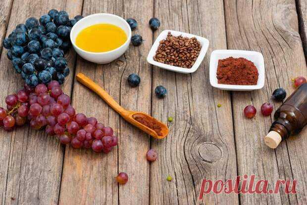 Виноград – один из наиболее вкусных и питательных фруктов. Но пользу можно получить не только от ягод: косточки содержат большое количество ценных микроэлементов, аминокислот и натуральных танинов. Они используются для изготовления пищевых добавок и косметических омолаживающих средств. Экстракт