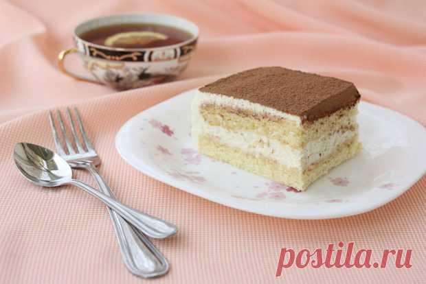 Необычайно простой, но вкусный десерт. Загрузка... Pārsla в переводе с латышского «снежинка». Название вполне оправдано: каждый кусочек этого десерта тает во рту, как снежинка на ладони.  Простой и вкусный бисквитный торт Ингредиенты для бисквита …