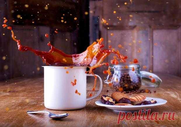 Разлитый кофе — к деньгам: странные народные приметы в которые верили наши предки