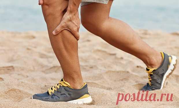 Судоми в ногах: причини, лікування в домашніх умовах Терміном «судоми в ногах» в простолюдді позначають надмірне по силі і тривалості і неконтрольоване волею скорочення окремих м'язів, яке виникає без видимої на перший погляд причини і переважно в нічний