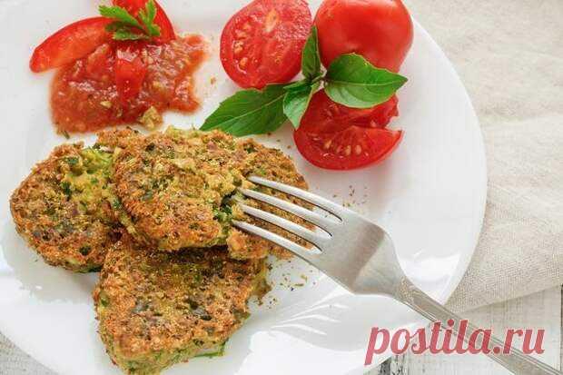 Гороховые котлеты Готовить вкусные и питательные блюда можно, даже используя недорогие продукты. Ингредиенты:горох (сухой)... Читай дальше на сайте. Жми подробнее ➡