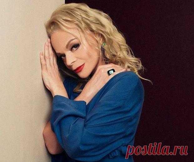 Лариса Долина переборщила с фотошопом: фанаты советуют певице не использовать ретушь