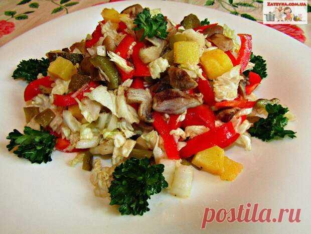 Постный салат с пекинской капустой и грибами