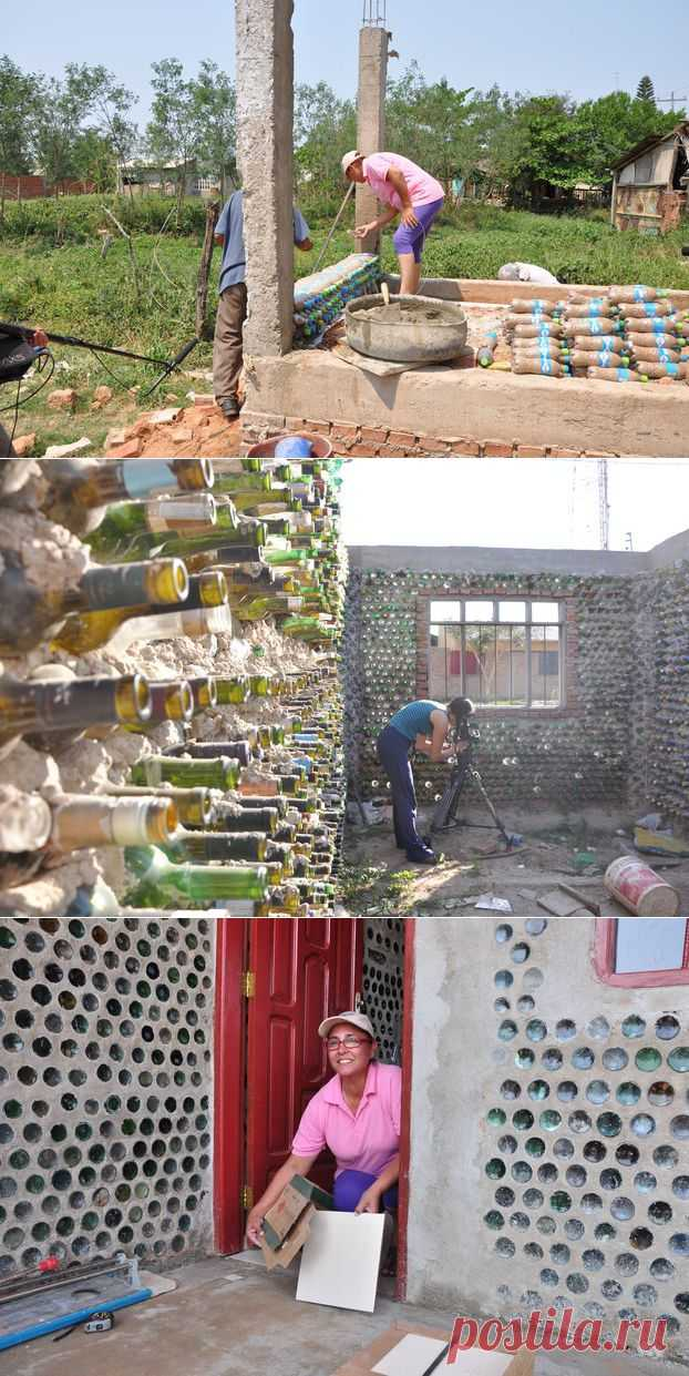 Боливийская женщина строит дома из бутылок.