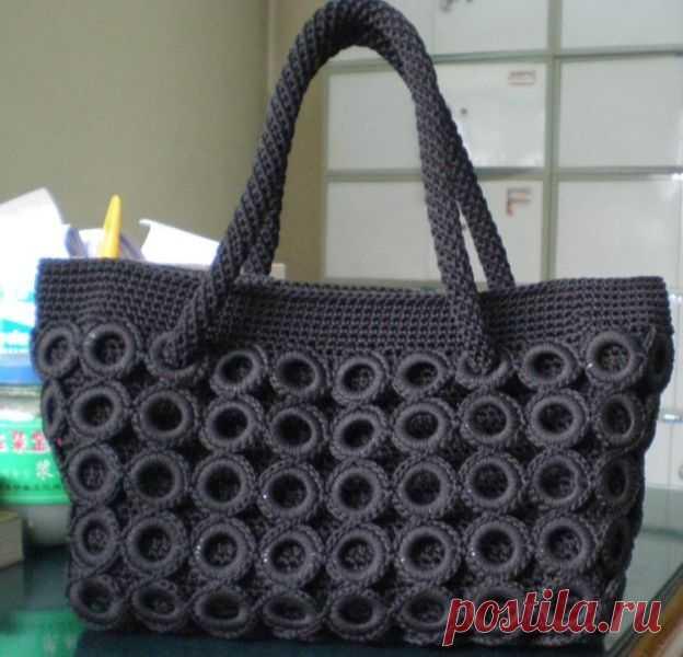 9ba05c8a648b Оригинальная сумка из обвязанных пластиковых колечек. Крючком. МК. /  Обсуждение на LiveInternet -