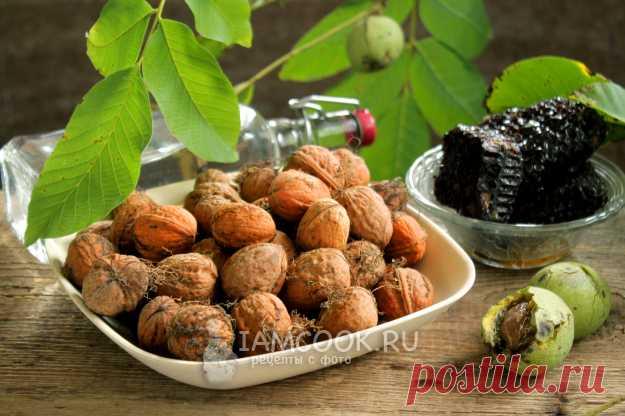 Настойка на перегородках грецких орехов (на водке) — рецепт с фото пошагово
