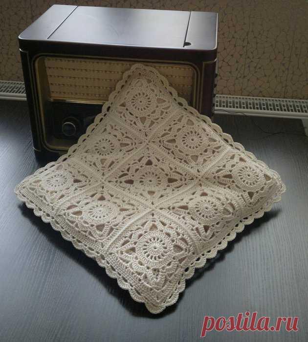 Ажурные подушки из квадратных мотивов — Делаем руками