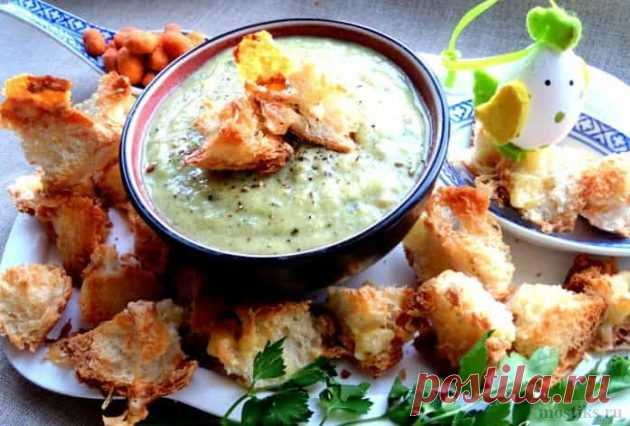 Чесночный крем суп с сырными гренками   Сайт для любознательных
