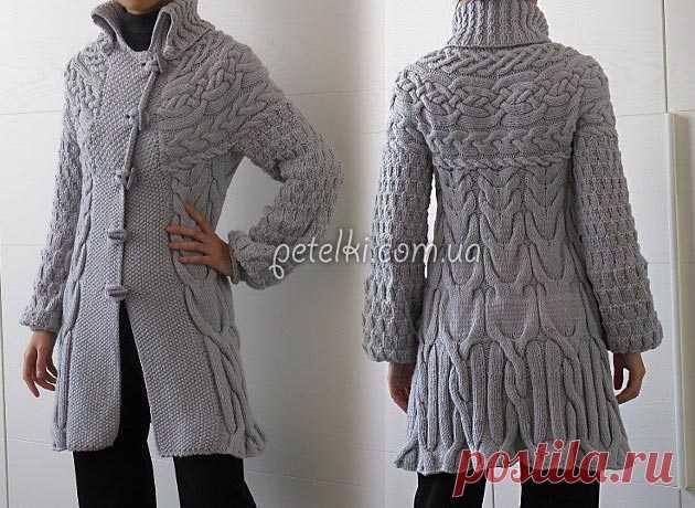 Вязаное пальто Зимняя сказка. Описание