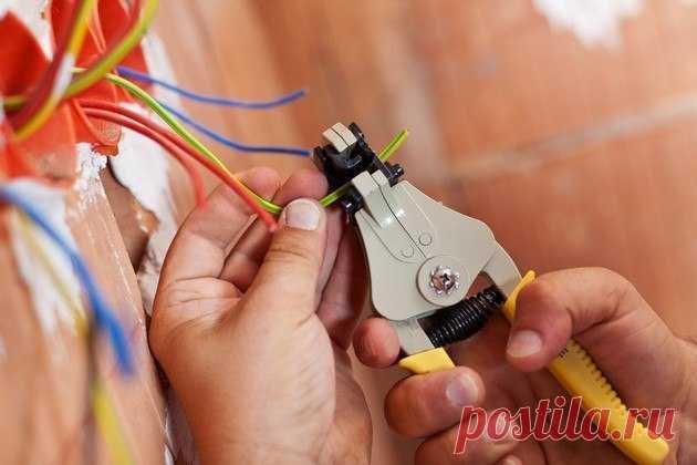 Разводка электропроводки своими руками: от схемы до монтажа - Мужской журнал JK Men's Еще 15 – 20 лет назад нагрузки на электросеть были относительно маленькие, сегодня же наличие большого количества бытовой техники спровоцировало