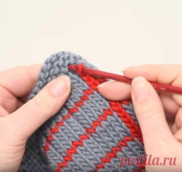 Как связать оригинальный шарф в клетку спицами