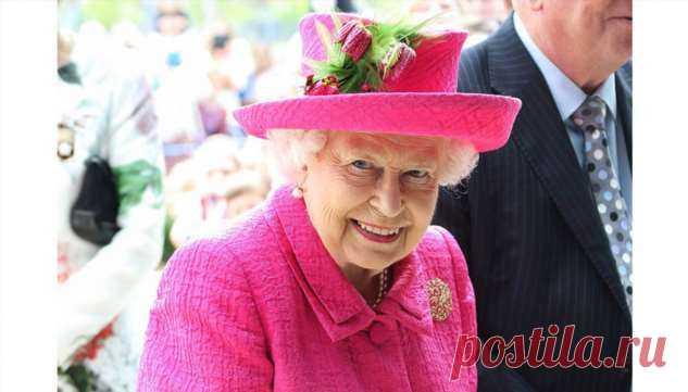 93-летняя Елизавета II до сих пор сама делает себе макияж   Офигенная