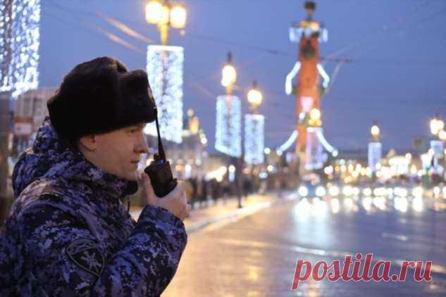 Правоохранителям Москвы и Петербурга установили надбавку до 100% месячного оклада | Офигенная
