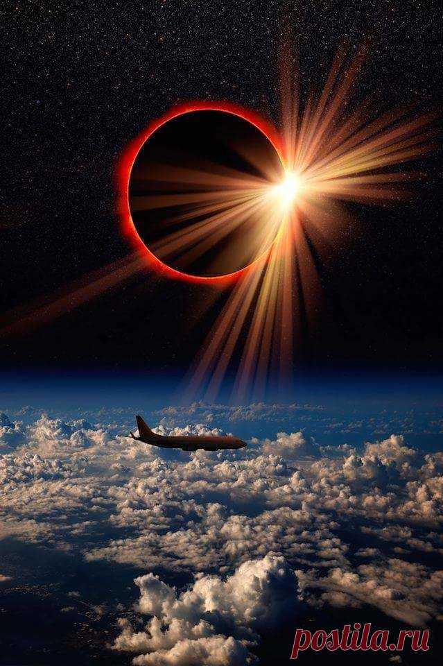 А вот так затмение выглядело  на высоте 12000 метров...