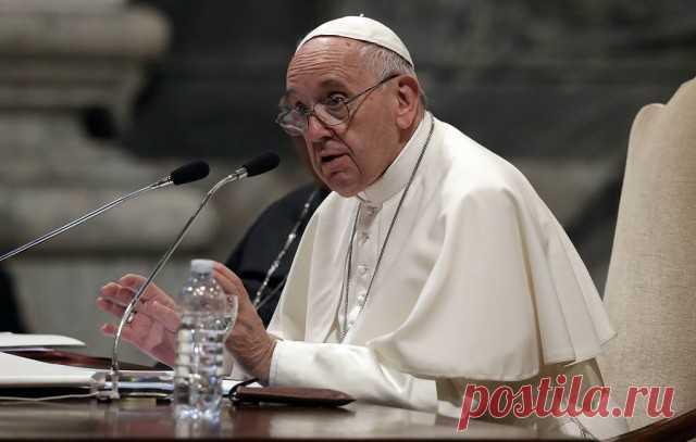 Папа Римский публично извинился за то, что ударил по руке женщину - ЯПлакалъ