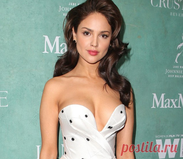 The hot Mexican of Eiza Gonzalez demented a magnificent decollete the Stunning actress and the singer Asa Gonsalez (Eiza Gonzalez) appeared at a party on the eve of an award awards ceremony the Oscar in very courageous and sexual image, catching on herself delighted