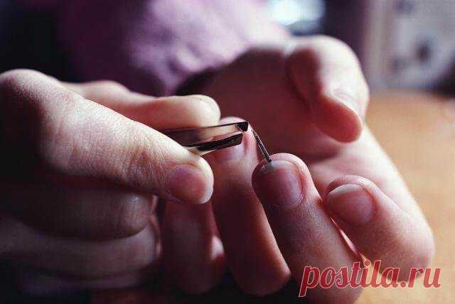 Как правильно вытащить занозу из-под ногтя? — Бабушкины секреты