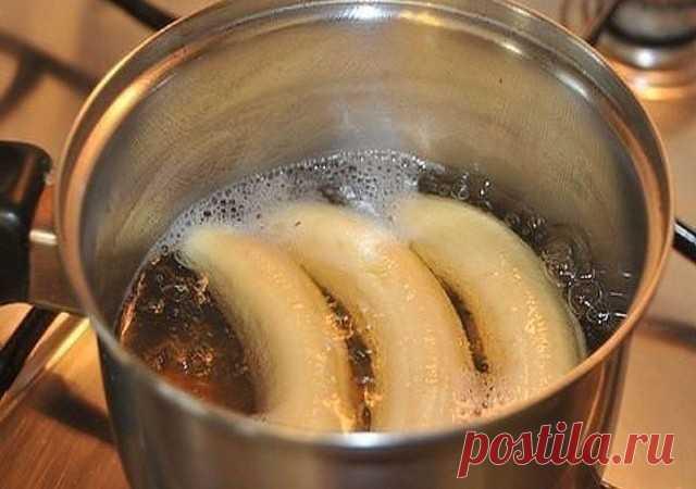 Вот что напиток сделает с организмом! Сразу отмечу: этот напиток имеет странный вкус. Многим может не понравиться! Но по воздействию — натуральное лекарство, очень сильное. Моментально восстановит организм и поставит на ноги! Такой банановый коктейль делается в два счета. Основной питательный компонент — банан, который содержит калий, магний и фосфор. Калий полезен для всех мышц, в том числе и для мышц сердца. Фосфор поможет организму справиться с перевариванием углеводов....