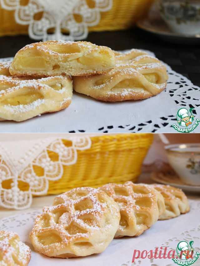 30 минут и у вас вкусненькие ананасовые слойки.