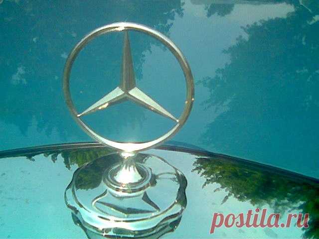 В России отзывают 92 автомобиля Mercedes АО