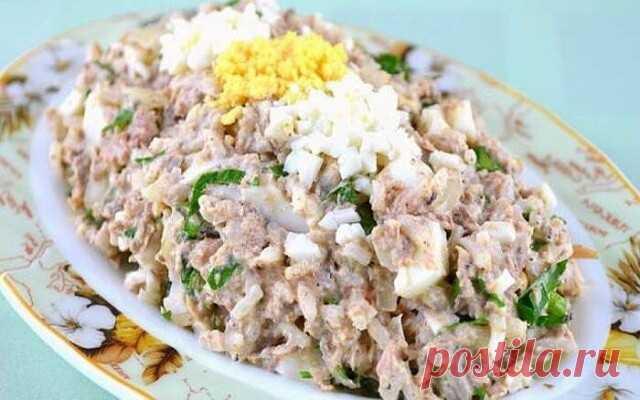 Салат с консервированной сайрой, яйцом и огурцом — ДОМАШНИЕ