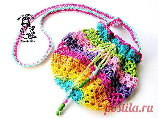 Сумочка для девочки крючком (схемы и описание) Сумочки для девочки крючком (схемы). Разноцветные сумочки и сумки кошельки. Сумочка детская для телефона.