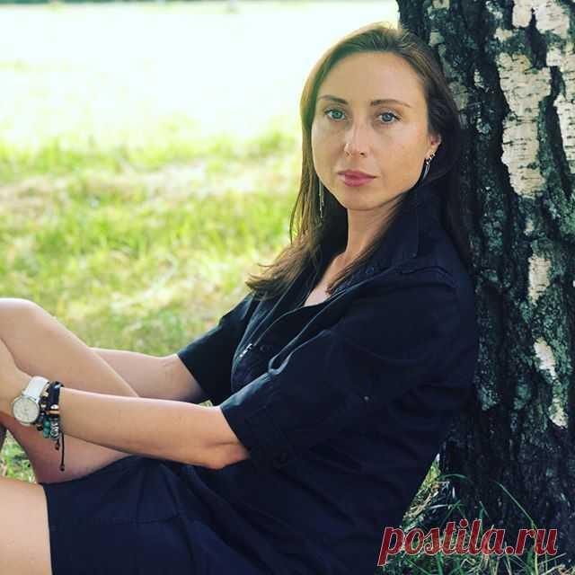 Photo by Светлана Торуля in Полюстровский парк. На изображении может находиться: 1 человек, на улице и природа