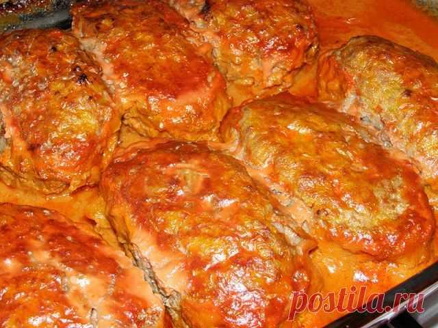 9 любимых детсадовских блюд 1. Ленивые голубцы  Ингредиенты:  капуста 200 г лук 1 шт круглый рис 1/2 стакана вареное мясо 200 г растительное масло 1 ст ложка соль  Рис замочить в теплой воде на 15-20 минут. Лук пассерова…