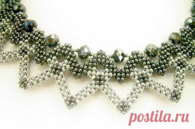 колье - smuk kæde i raw syning i sart grøn og hvid el. sølv og med bicones | necklace 2 | Beads, Beadwork and Bead necklaces