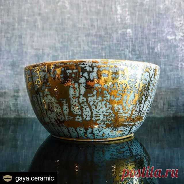 #Repost @gaya.ceramic • • • • • Gold Drizzle Glazed Accent Bowl. Handmade and beautiful .  Thanks @personalspacemb for the beautiful picture.  If you are in L.A. check them out! . . #авторскаякерамика #декордома  #gayaceramic #interiordetails #ceramics #porcelain #makers #керамика #handmade #art #homedecor #customceramics #красиваяпосуда  #украшениеинтерьера #decoration #homedecore #porcelain
