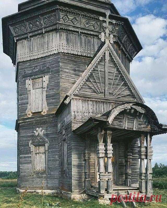 Ancient wooden church, Krasnaya Lyaga, Russia. The church was built in 1655 - 9GAG   Древняя деревянная церковь, Красная Ляга, Россия. Церковь была построена в 1655 году.