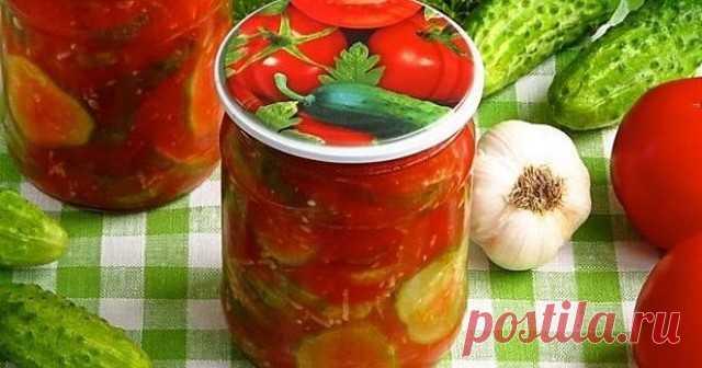 Огурцы в томатно-чесночной заливке  Понадобится:  • огурцы - 2,5 кг. • помидоры - 1 кг. • чеснок - 3 головки • укроп - 1 пучок • сахар - 0,5 стакана • уксус - 0,5 стакана • масло - 0,5 стакана • соль крупная - 1,5 ст.л.  Приготовление:  1. Помидоры измельчить в мясорубке или блендере, добавить сахар, соль, масло. 2. Варить после закипания 10 мин. 3. Добавить огурцы, нарезанные кружочками. Варить еще 10 мин. 4. Положить измельченный чеснок, мелко нарезанный укроп и уксус, к...