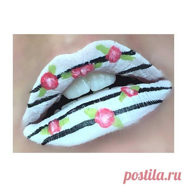 Flowers! 🌺💋🌺💋🌺💋🌺 . . . #flowerlips #flowers #lips #lipart #lipartist #makeupart #makeupartist #lipstick #makeupblog #beautyblog #blog #makeup #beauty #jeffreestarcosmetics #jeffreestar #nyx #weirdo #druglord #promnight #watermelonsoda #venusflytrap #liquidlipstick