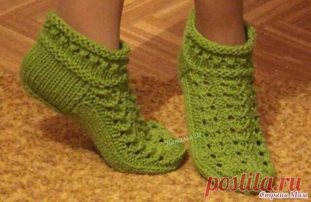 Красивые носочки для любителей вязания.