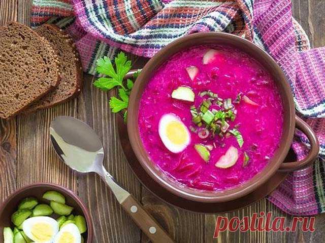 Холодный свекольник - классический рецепт для жаркого летнего дня   Этот рецепт предусматривает использовать в качестве жидкой основы подкисленный свекольный отвар. Таким образом готовили этот холодный суп в старину, так готовят и сейчас. Особенностью является то, …