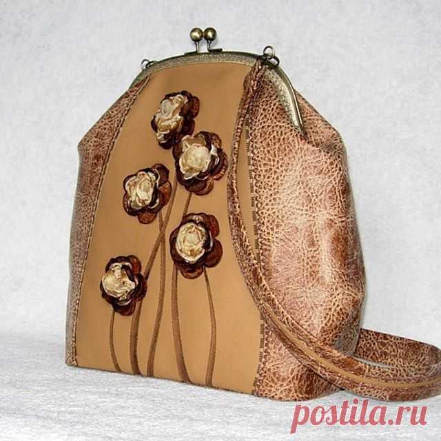 Недавно делала повтор сумочки... Получилось почти один в один))) Сумка
