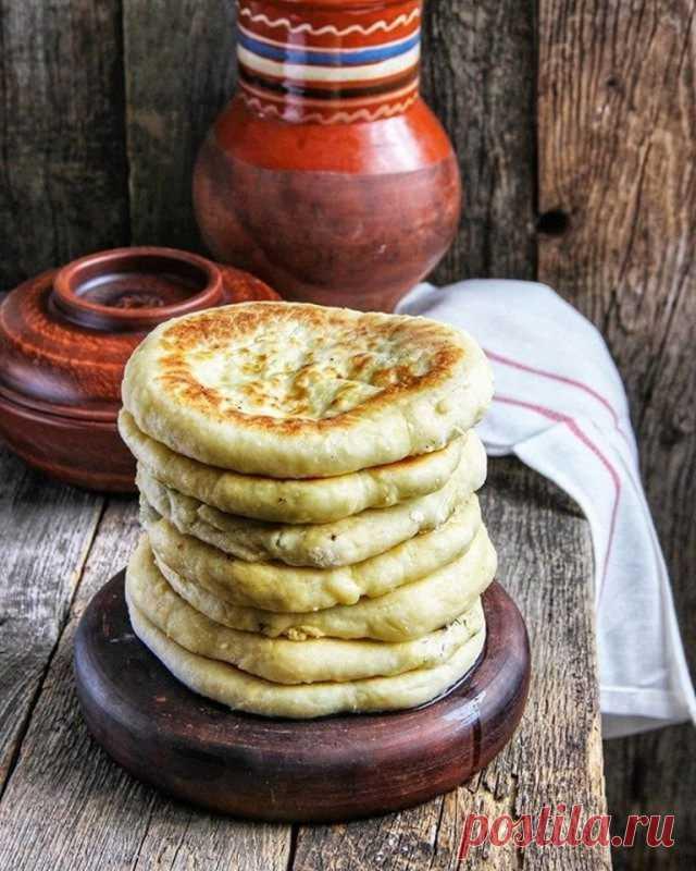 Лепёшки с творогом и зеленью — Sloosh – кулинарные рецепты