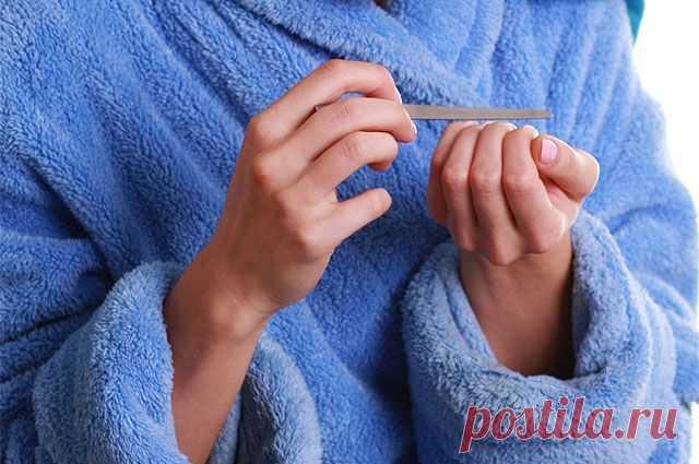 Что за белые полоски появляются на ногтях? | Всегда в форме!