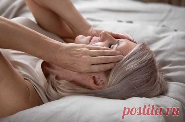 Почему развиваются утренние головные боли Здоровый сон — один из базовых принципов хорошего самочувствия и прекрасного настроения в течение дня. Однако бывает, что пробуждение омрачается неприятными ощущениями: развившейся с первых секунд бодрствования цефалгией. Почему она развивается и чем чревата?
